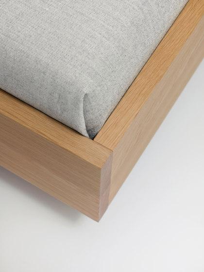 Simple Hi by Zeitraum | Beds