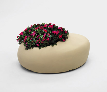 BD Love planter by BD Barcelona   Benches