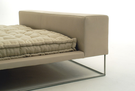 Ile Bed by Living Divani | Beds