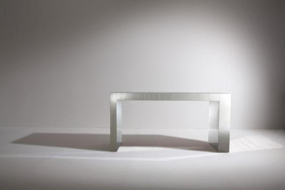 ST 21 | Console by Laurameroni | Console tables