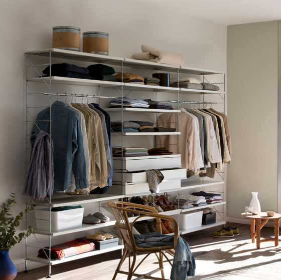 TRIA dressing room by Mobles 114 | Walk-in wardrobes