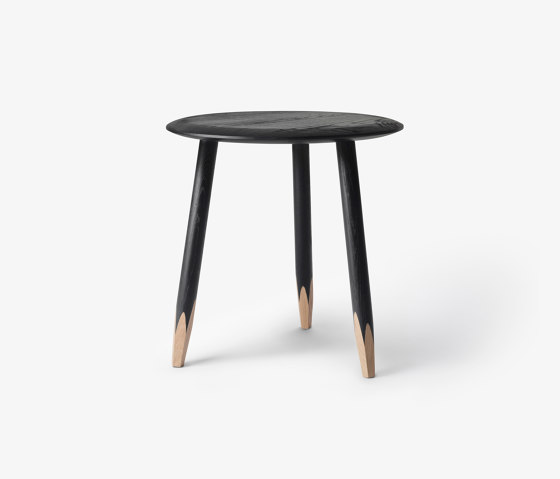 Hoof SW1 Black Lacquered Oak by &TRADITION | Side tables