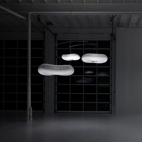 cloud softlight mobile von molo   Pendelleuchten