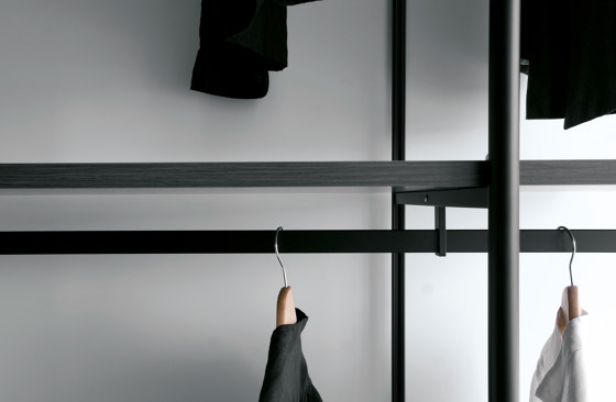 Slide by Extendo | Walk-in wardrobes
