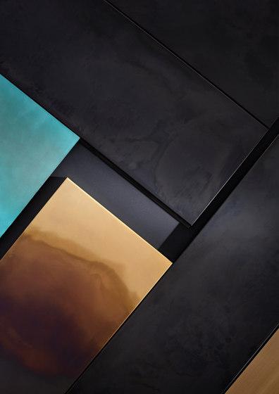 Scomposta & Boiserie de De Castelli | Plaques de métal