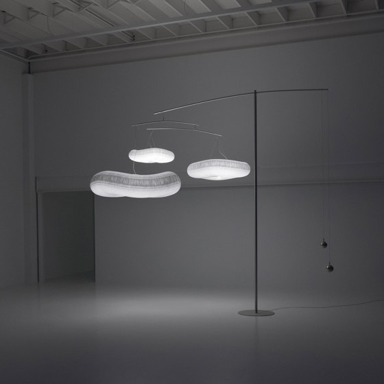 cloud mast by molo | Free-standing lights