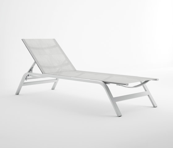 Stack Liegestuhl von GANDIABLASCO | Sonnenliegen / Liegestühle