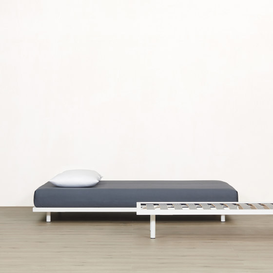 Basic Bed by Atelier Alinea | Bedframes