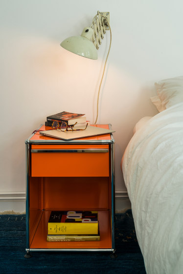 USM Haller Nightstand | Pure Orange de USM | Mesillas de noche