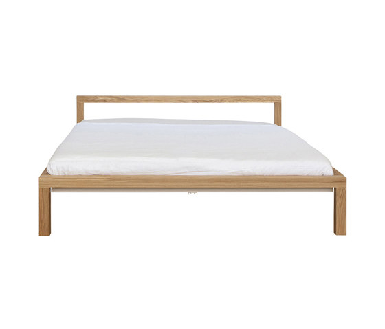 Pure solid oak bed frame   H 696 EM H 698 EM de Hans Hansen & The Hansen Family   Lits