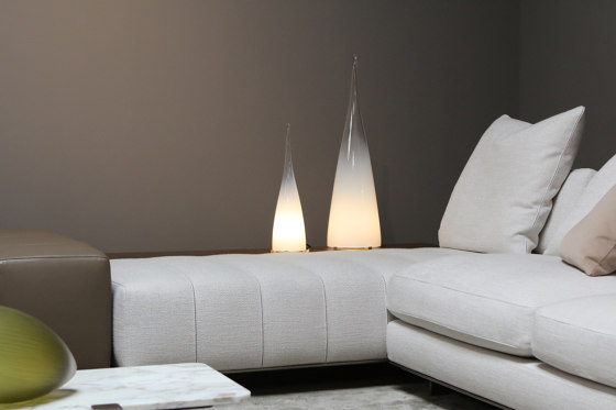 Kin Light de SkLO | Luminaires de table