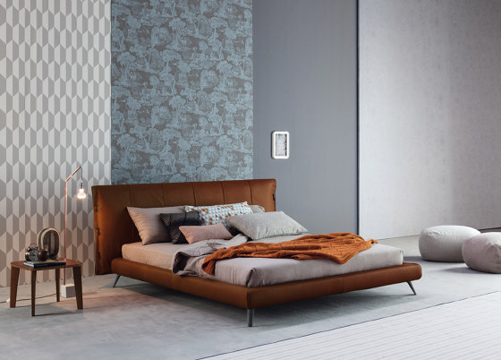 Cuff by Bonaldo | Beds