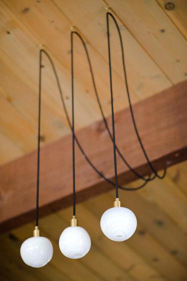 Drape Hook 3 Pendant von SkLO | Pendelleuchten