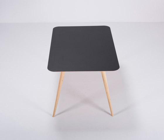 Linn table | 140x90 de Gazzda | Tables de repas