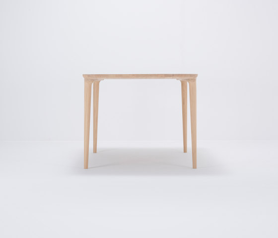 Fawn table | 160x90 by Gazzda | Dining tables