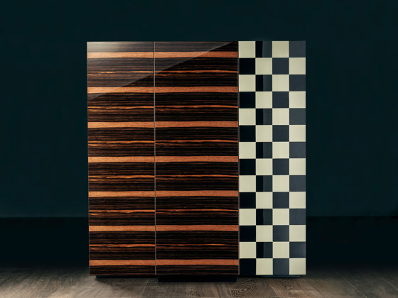 ESSENCE High Cabinet di GIOPAGANI | Credenze