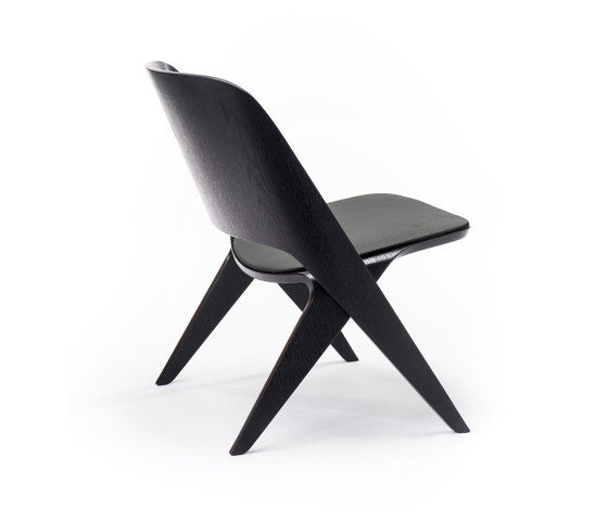 Lavitta Lounge Chair with Leather Upholstery – Stained Black von Poiat   Sessel