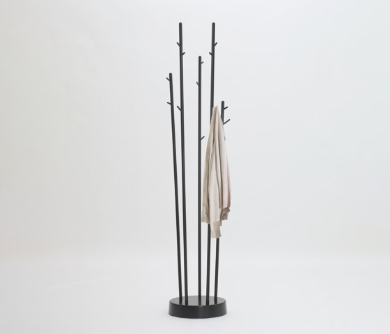 STICKS von FORMvorRAT   Garderoben