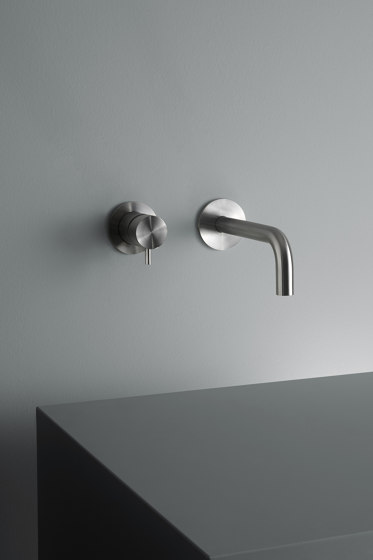 Ottavo | Stainless steel Wall mounted mixer with spout by Quadro | Wash basin taps