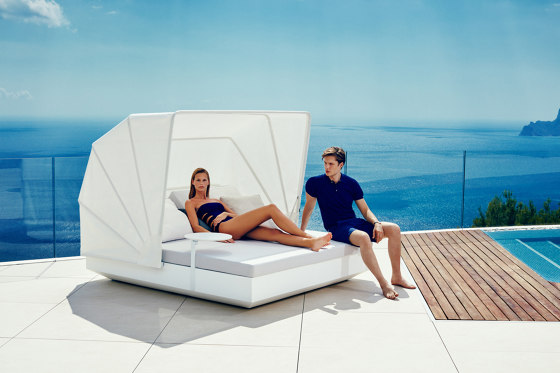 Vela daybed by Vondom | Day beds