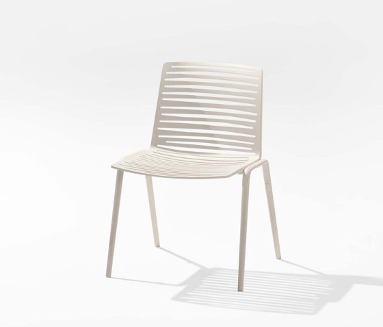 Zebra chair by Fast | Armchairs