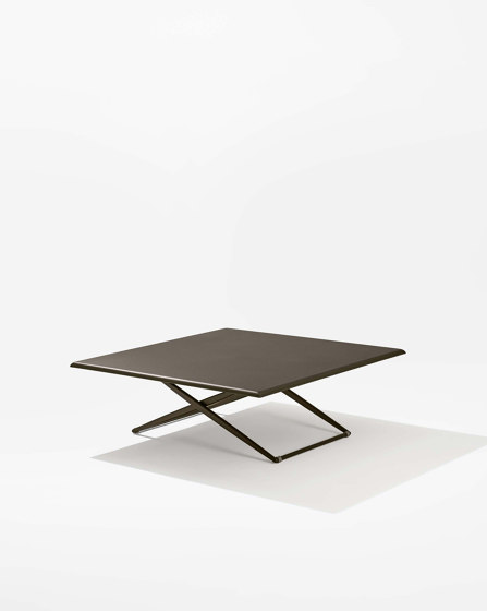 Zebra Up&Down square table von Fast | Esstische
