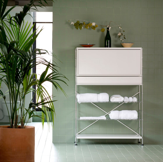 TRIA bathroom by Mobles 114 | Wall cabinets