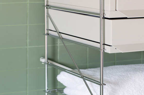 TRIA bathroom von Mobles 114 | Wandschränke