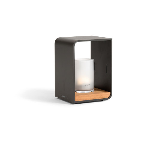 Flame Lumo small by Manutti | Outdoor floor lights