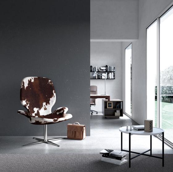 Clarke | Armchair & Pouf de Estel Group | Sillones