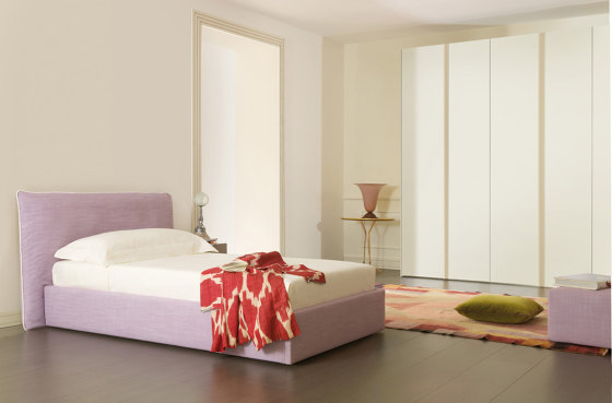 Plume | Bed by Estel Group | Beds