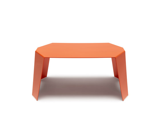 Sapporo | SPR 01 by Made Design | Side tables