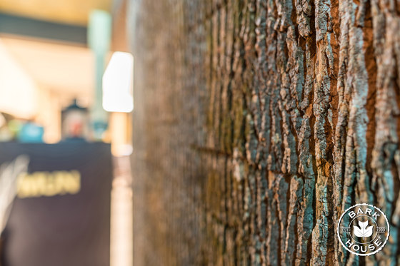 Bark House® Poplar Bark Wall Panels de Freund | Planchas de madera