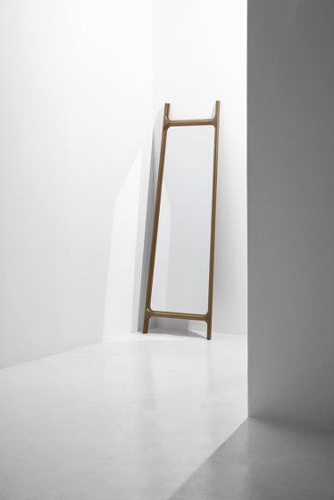 Mirror | Floor Mirror di District Eight | Specchi