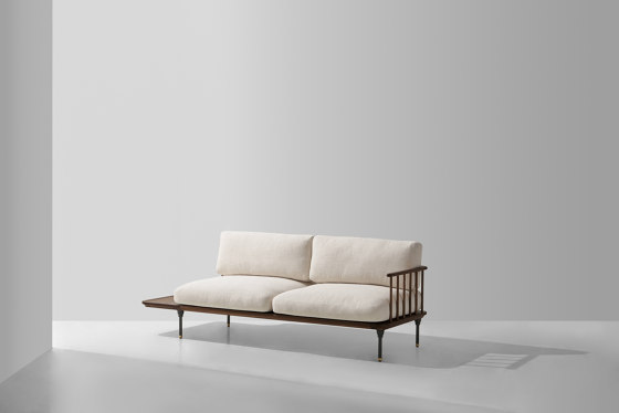 Distrikt Chaise von District Eight | Sofas