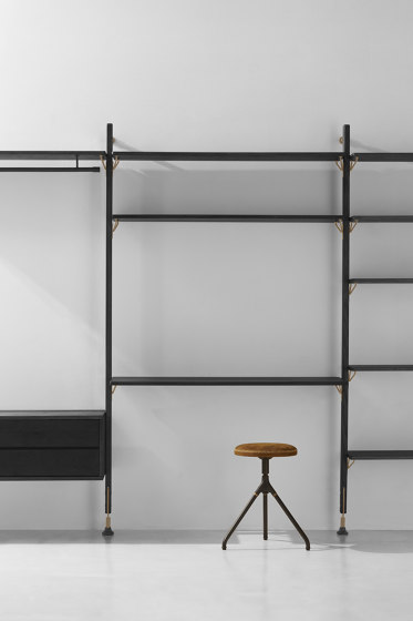 Theo Wall Unit With Desk von District Eight | Regale
