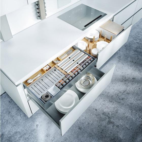 NX 902 Glass matt polar white by next125 | Fitted kitchens