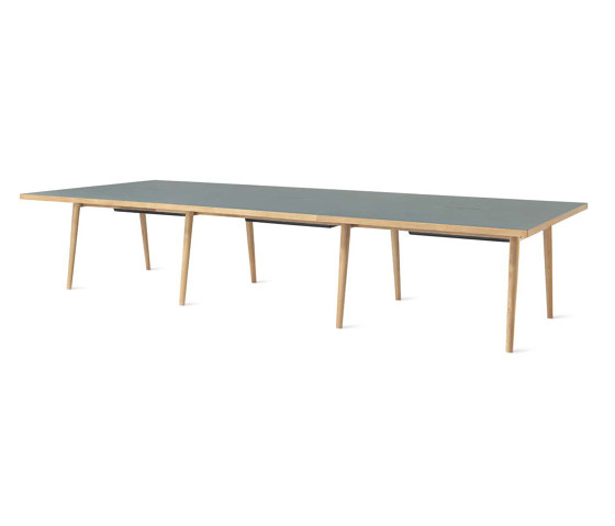 Forum Unlimited Table di ICONS OF DENMARK | Tavoli contract