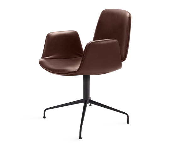 Tilda | Armchair with trestle leg by FREIFRAU MANUFAKTUR | Chairs