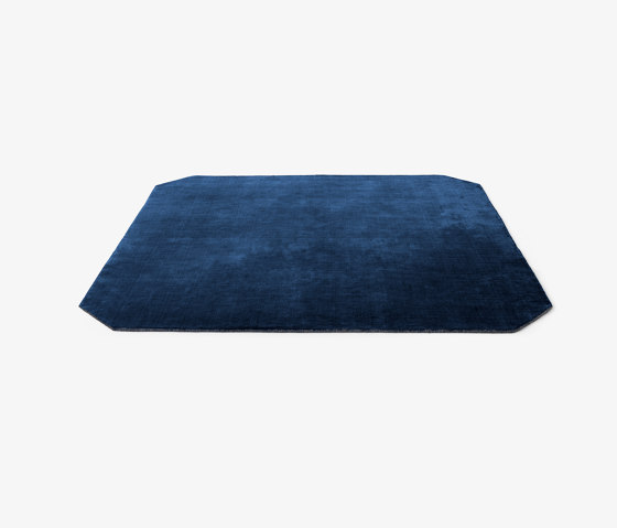 The Moor AP6 Blue Midnight by &TRADITION | Rugs