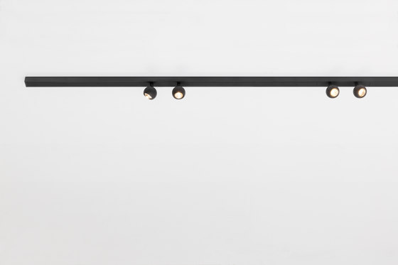 Pista Marbulito | Surface by Modular Lighting Instruments | Ceiling lights