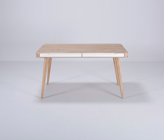Ena table two | 140x90x75 de Gazzda | Mesas comedor