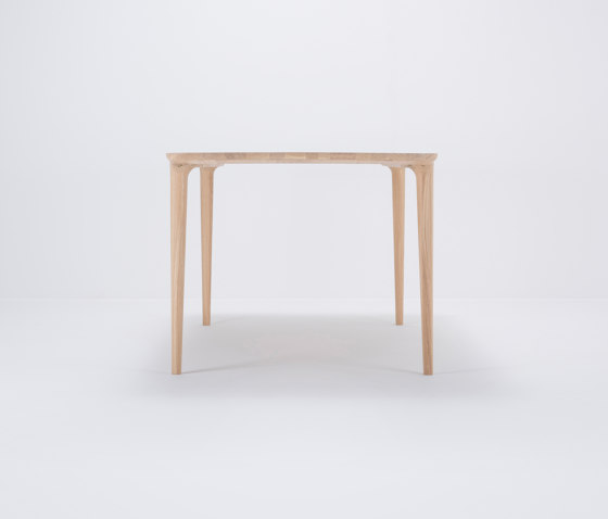 Fawn table | 200x90 by Gazzda | Dining tables