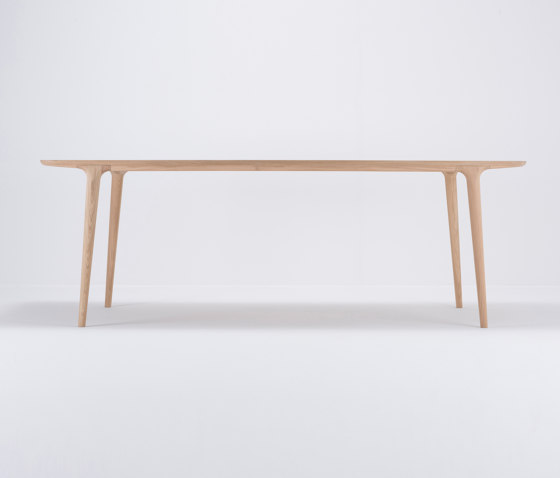 Fawn table | 220x90 by Gazzda | Dining tables