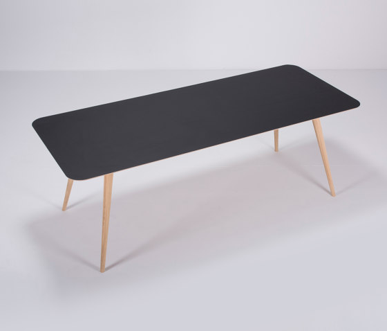 Linn table | 220x90x75 by Gazzda | Dining tables