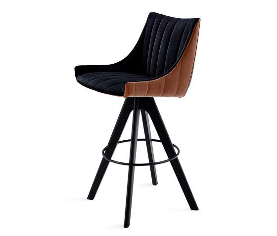 Rubie | Bar Armchair Low by FREIFRAU MANUFAKTUR | Bar stools