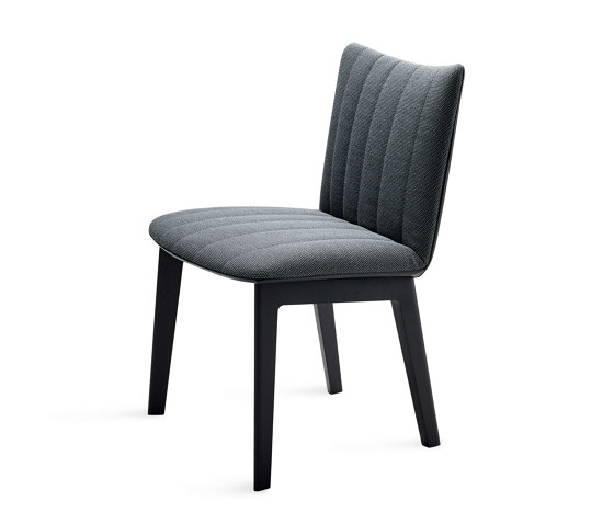 Rubie | Chair with wooden support frame by FREIFRAU MANUFAKTUR | Chairs