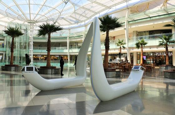 Avonite® | Interieur Abdali Mall von Rosskopf + Partner | Sitzbänke