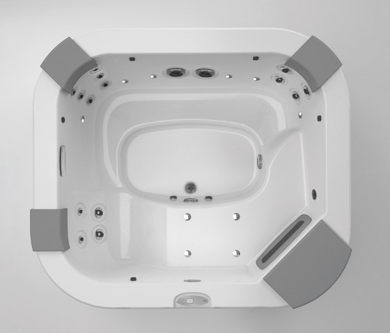 Delos Pro by Jacuzzi®   Whirlpools