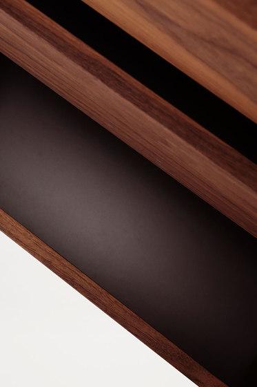 Sutoa walnut edition de Frama | Estantería